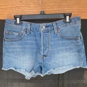 Levi's Women's cropped Jean Shorts